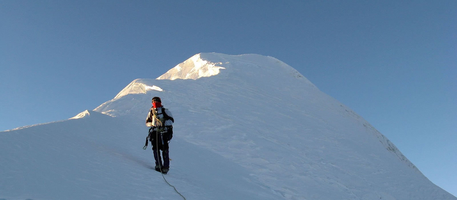 Lobuche Peak Climbing – 17 Days