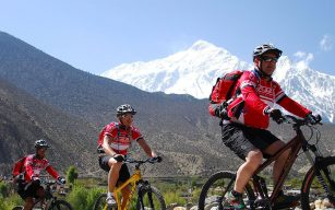 Annapurna Circuit Cycling Tour