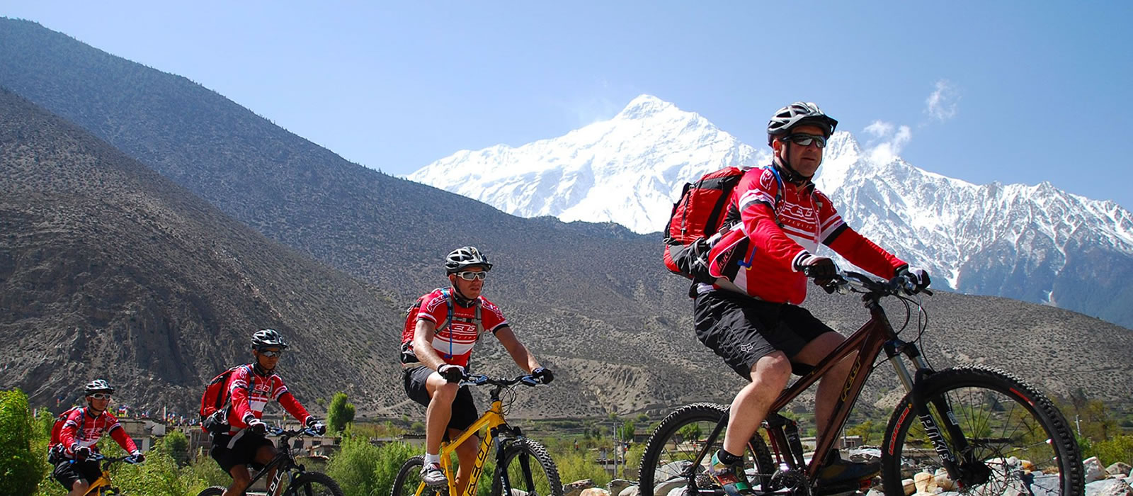 Annapurna Circuit Cycling Tour